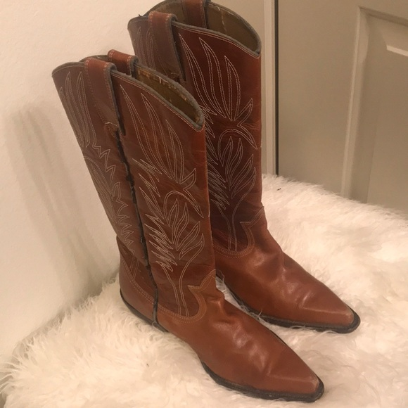 c6b30bba368 GENUINE LEATHER Steve Madden cowboy boots!